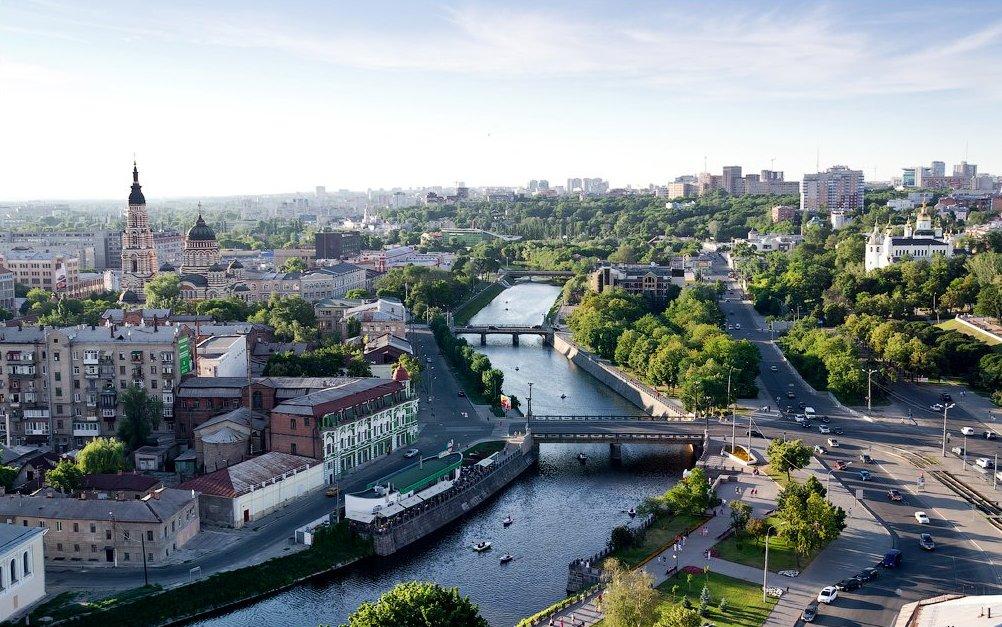 Маленький Відень і багата австро-угорська архітектурна спадщина. Американська телекомпанія радить відвідати Чернівці